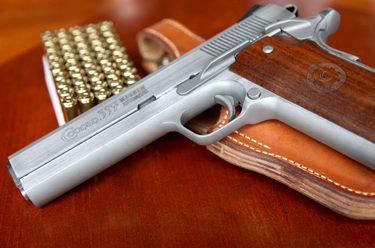 Gun Rental in Iowa with Daryl's Guns